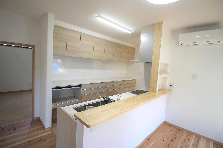 木造住宅を 最新に…無垢の温かみを…